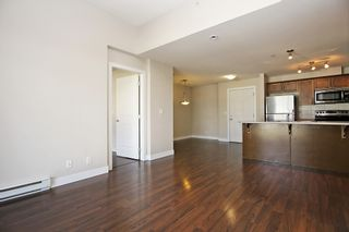 """Photo 8: 412 46150 BOLE Avenue in Chilliwack: Chilliwack N Yale-Well Condo for sale in """"THE NEWMARK"""" : MLS®# R2321393"""