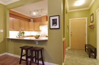 Photo 7: 107 15 SMOKEY SMITH PLACE in New Westminster: GlenBrooke North Condo for sale : MLS®# R2525727