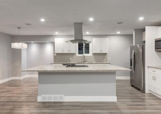 Photo 5: 12 SNOWDON Crescent SW in Calgary: Southwood Detached for sale : MLS®# A1078903