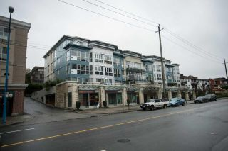 """Photo 2: 407 122 E 3RD Street in North Vancouver: Lower Lonsdale Condo for sale in """"SAUSALITO"""" : MLS®# R2034423"""