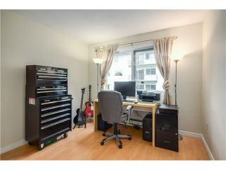 """Photo 10: 307 620 BLACKFORD Street in New Westminster: Uptown NW Condo for sale in """"DEERWOOD COURT"""" : MLS®# V1055259"""