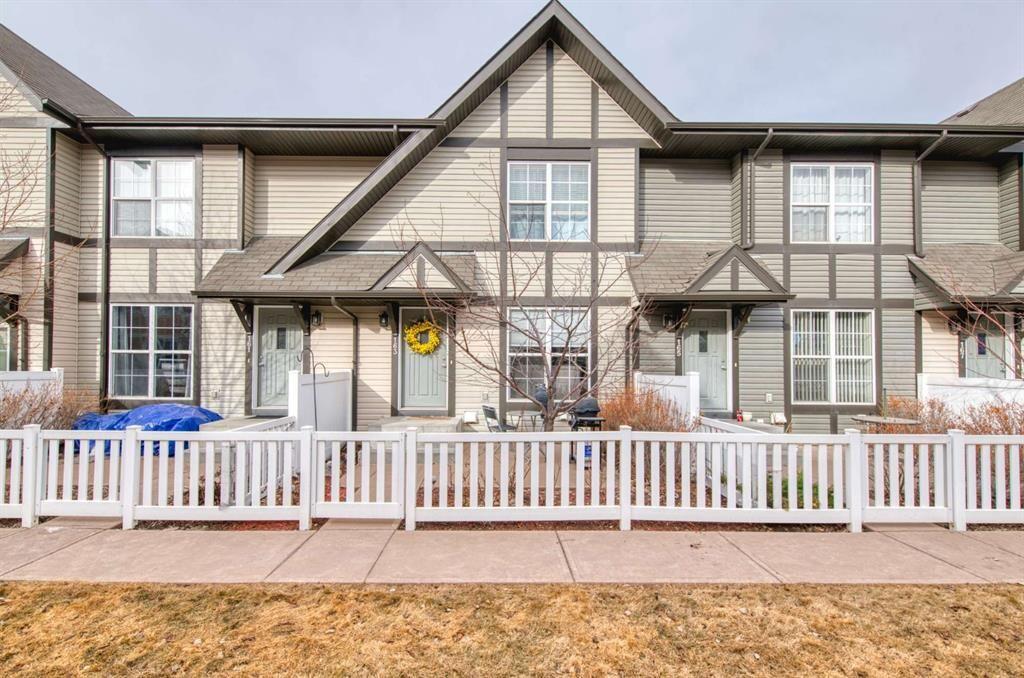 Main Photo: 163 NEW BRIGHTON Villas SE in Calgary: New Brighton Row/Townhouse for sale : MLS®# A1086386