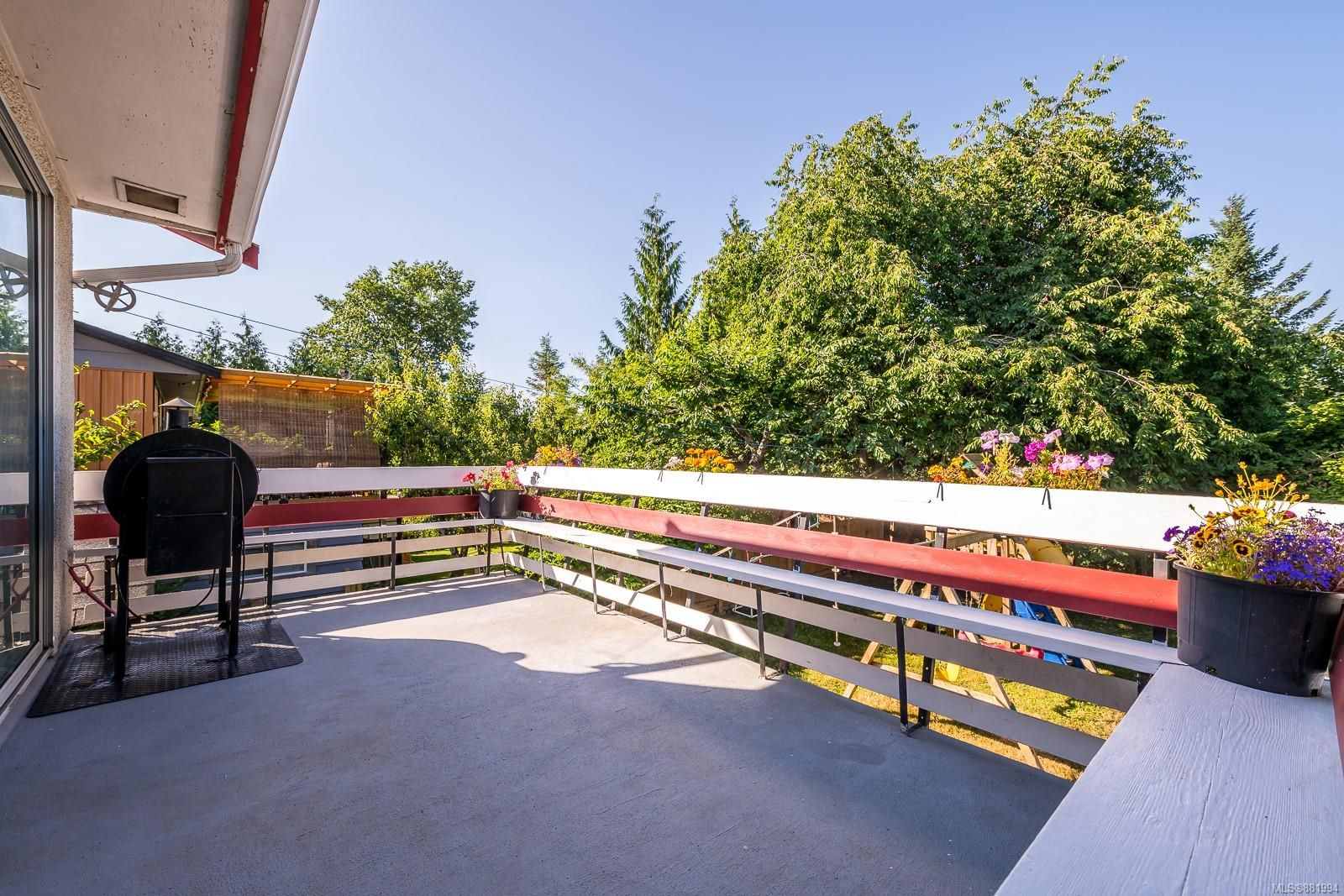 Photo 18: Photos: 1935 Fitzgerald Ave in : CV Courtenay City House for sale (Comox Valley)  : MLS®# 881994