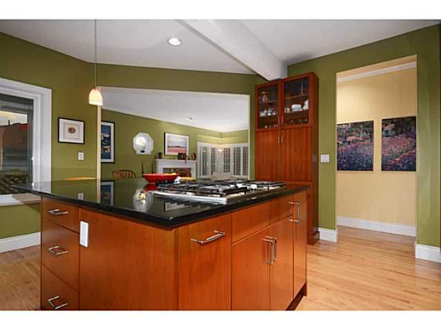 Photo 5: Photos: 2915 TOWER HILL CR in West Vancouver: Altamont House for sale : MLS®# V1027528