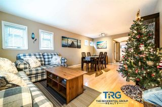 """Photo 2: 1563 BOWSER Avenue in North Vancouver: Norgate Townhouse for sale in """"ILLAHEE"""" : MLS®# R2523734"""