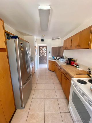Photo 2: CLAIREMONT House for sale : 4 bedrooms : 4139 Mount Herbert in San Diego