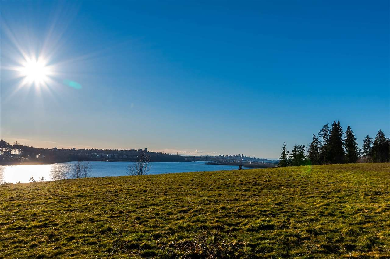 """Main Photo: 203 530 RAVENWOODS Drive in North Vancouver: Roche Point Condo for sale in """"SEASONS @ RAVENWOODS"""" : MLS®# R2136598"""