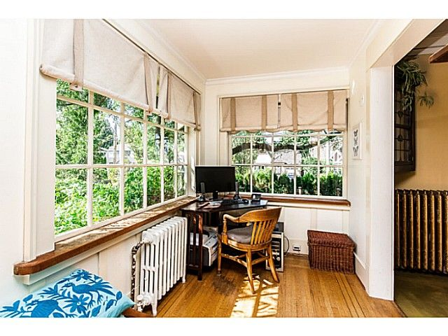 """Photo 14: Photos: 402 SIXTH Avenue in New Westminster: Queens Park House for sale in """"QUEEN'S PARK"""" : MLS®# V1083749"""