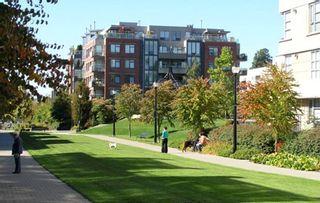 """Photo 17: 405 2020 W 12TH Avenue in Vancouver: Kitsilano Condo for sale in """"2020"""" (Vancouver West)  : MLS®# R2166280"""