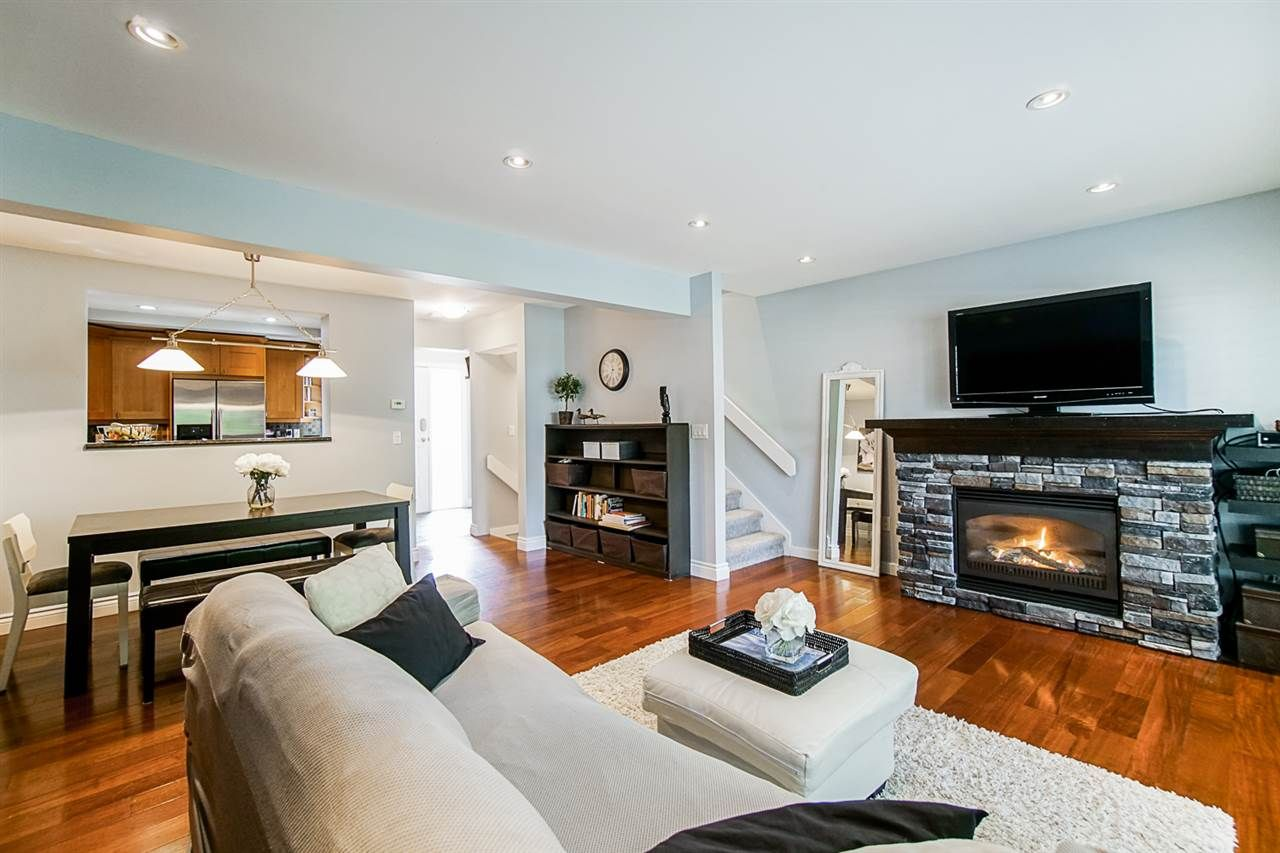 """Photo 8: Photos: 1 1960 RUFUS Drive in North Vancouver: Westlynn Townhouse for sale in """"Mountain Estates"""" : MLS®# R2487288"""
