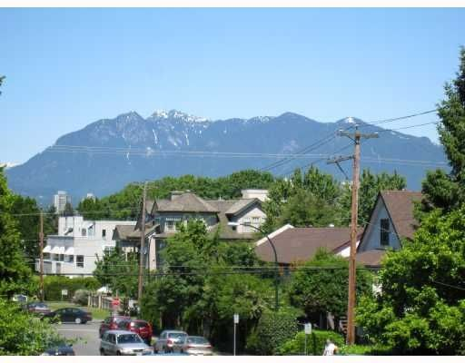 Main Photo: 201 2006 W 2nd Avenue in Vancouver: Kitsilano Condo for sale (Vancouver West)