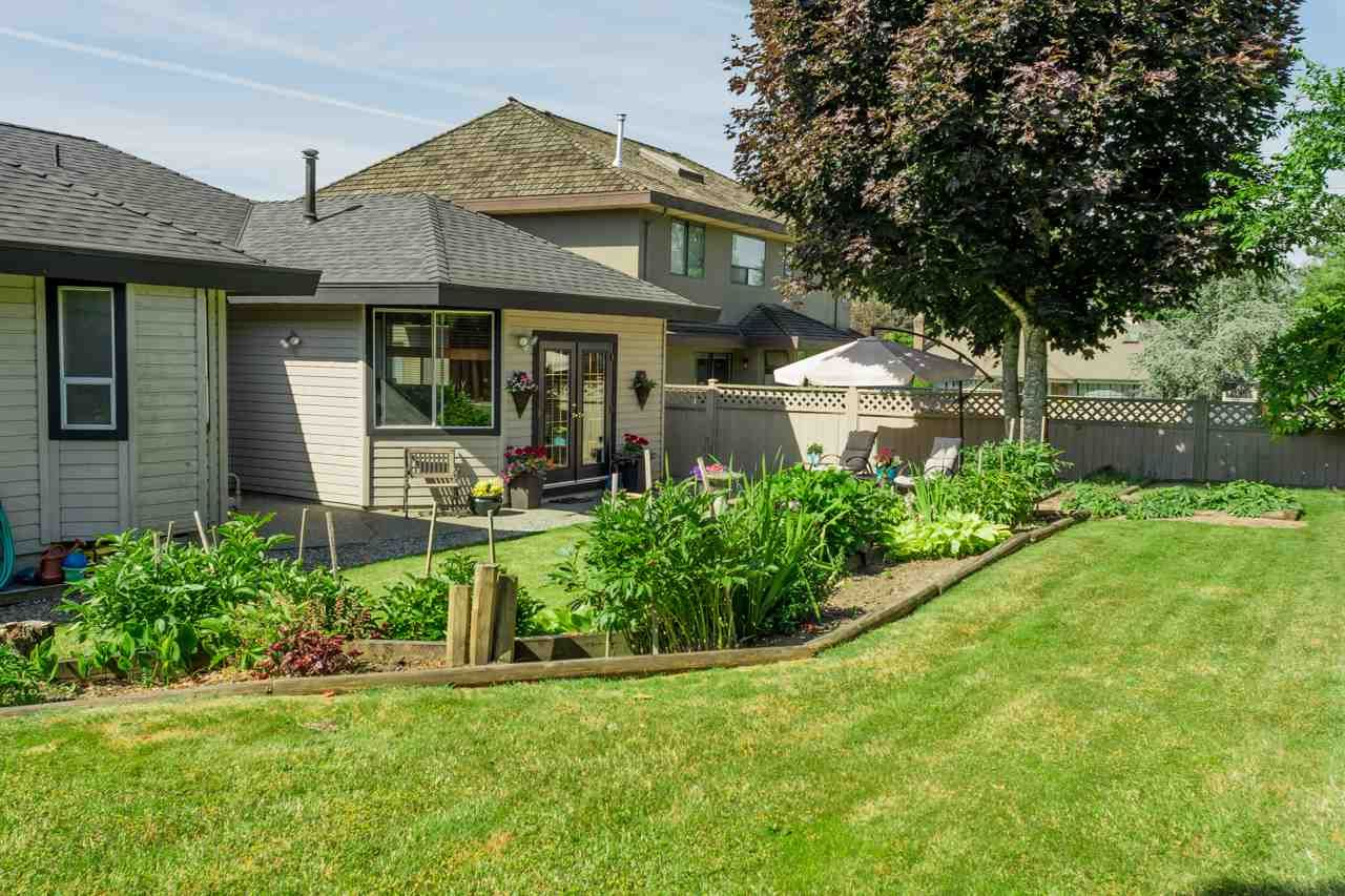 """Photo 4: Photos: 16329 79A Avenue in Surrey: Fleetwood Tynehead House for sale in """"Hazelwood Grove"""" : MLS®# R2186258"""