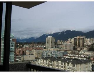 Photo 2: 1404 145 ST GEORGES Ave in North Vancouver: Home for sale : MLS®# V682763