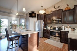 Photo 3: 947 Coppermine Way in Martensville: Residential for sale : MLS®# SK849342
