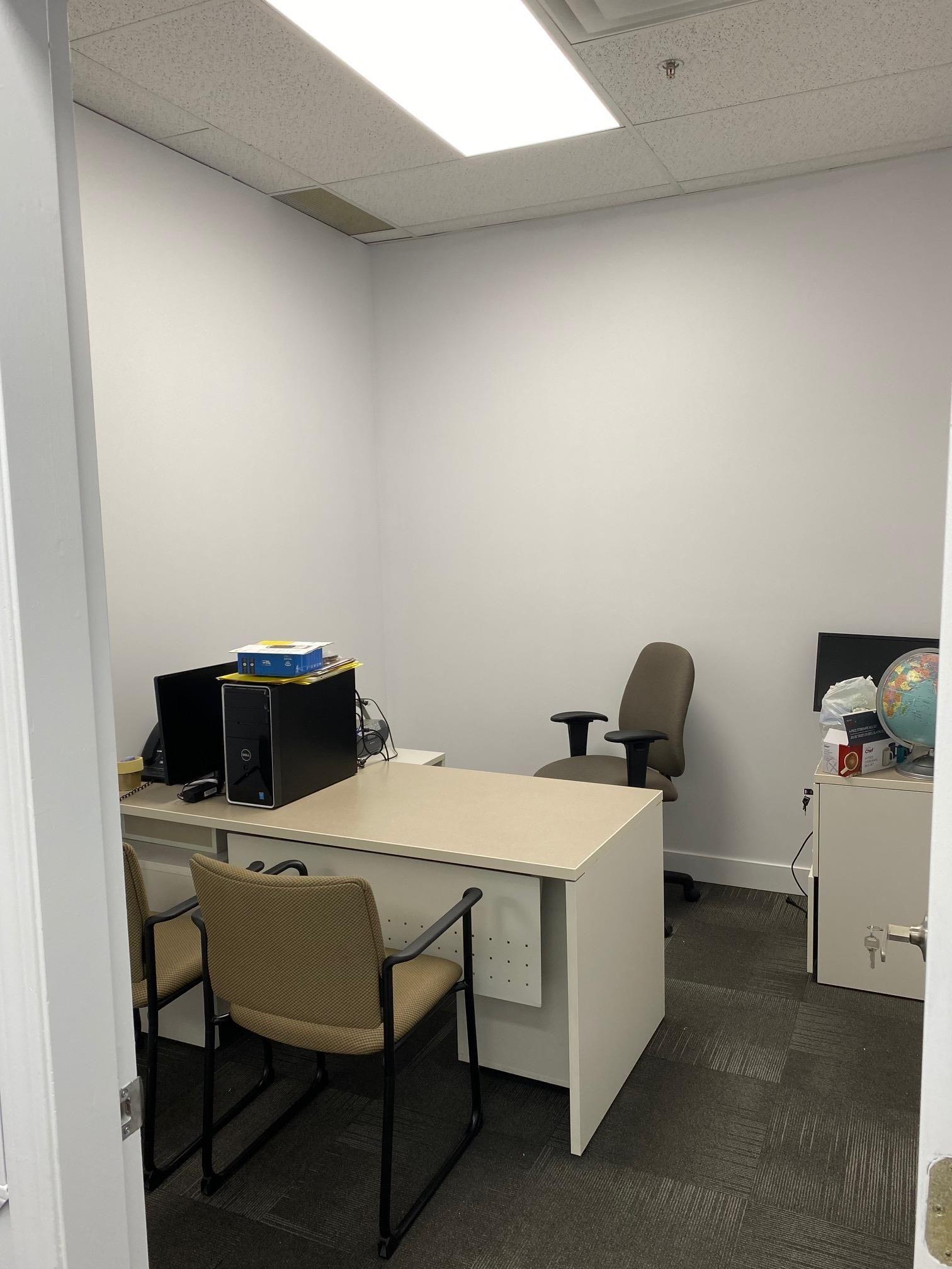 Main Photo: 203 8334 128 Street in Surrey: Queen Mary Park Surrey Office for sale : MLS®# C8040556