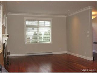 Photo 5: SIDNEY TOWNHOME = SIDNEY REAL ESTATE Sold With Ann Watley! Call (250) 656-0131