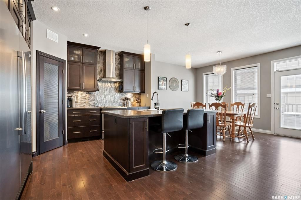 Main Photo: 3837 Goldfinch Way in Regina: The Creeks Residential for sale : MLS®# SK841900