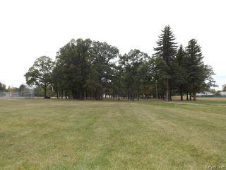 Photo 17: 425 Greenacre Boulevard in WINNIPEG: Westwood / Crestview Residential for sale (West Winnipeg)  : MLS®# 1321784