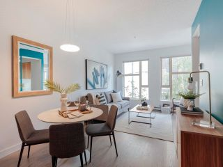 """Photo 7: 212 205 E 10TH Avenue in Vancouver: Mount Pleasant VE Condo for sale in """"The Hub"""" (Vancouver East)  : MLS®# R2621632"""