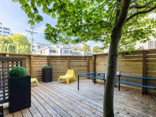 """Photo 15: 5560 YEW Street in Vancouver: Kerrisdale Townhouse for sale in """"The Diplomat"""" (Vancouver West)  : MLS®# R2553086"""