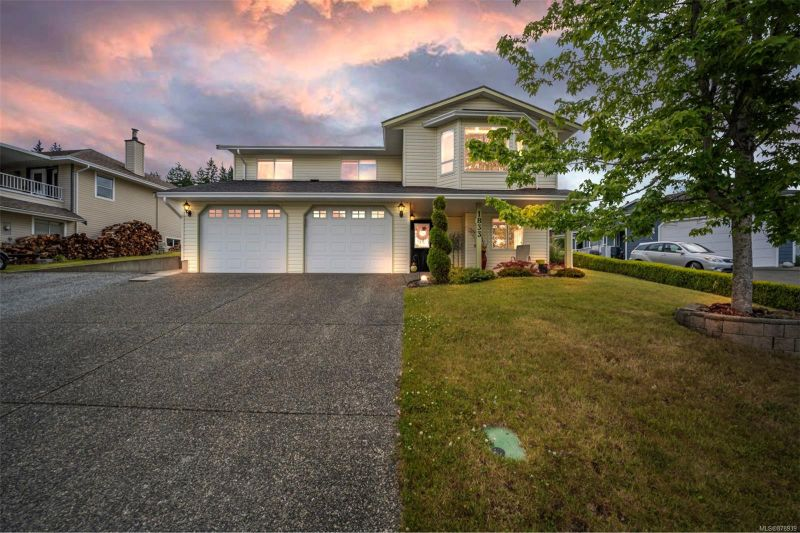 FEATURED LISTING: 1833 St. Ann's Dr