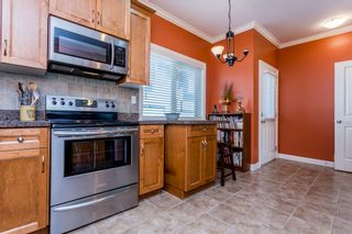 """Photo 10: 27 19219 67 Avenue in Surrey: Clayton Townhouse for sale in """"Balmoral"""" (Cloverdale)  : MLS®# R2059751"""