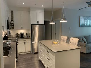 """Photo 2: 112 16398 64 Avenue in Surrey: Cloverdale BC Condo for sale in """"THE RIDGE AT BOSE FARMS"""" (Cloverdale)  : MLS®# R2590221"""