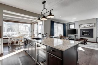 Photo 8: 624 Quarry Way SE in Calgary: Douglasdale/Glen Detached for sale : MLS®# A1094731