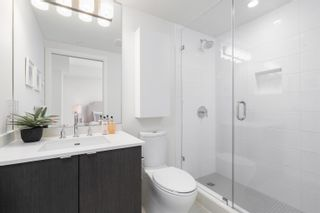 """Photo 12: 1102 111 E 1ST Avenue in Vancouver: Mount Pleasant VE Condo for sale in """"BLOCK 100"""" (Vancouver East)  : MLS®# R2617874"""