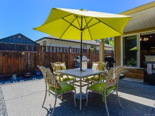 Photo 2: 2086 Lambert Dr in COURTENAY: CV Courtenay City House for sale (Comox Valley)  : MLS®# 813278