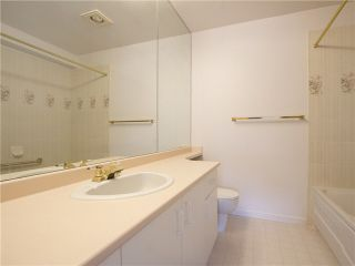 """Photo 17: 21 2130 MARINE Drive in West Vancouver: Dundarave Condo for sale in """"Lincoln Gardens"""" : MLS®# V1115405"""