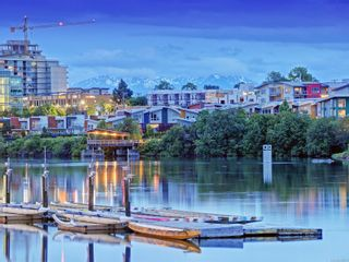 Photo 39: 102 331 E Burnside Rd in : Vi Burnside Condo for sale (Victoria)  : MLS®# 853671