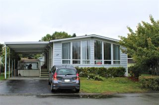 """Photo 1: 17 145 KING EDWARD Street in Coquitlam: Maillardville Manufactured Home for sale in """"MILL CREEK VILLAGE"""" : MLS®# R2411158"""