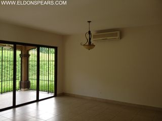 Photo 5: Executive Rental in Embassy Club
