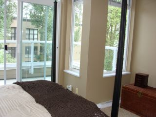 """Photo 8: 402 2628 YEW Street in Vancouver: Kitsilano Condo for sale in """"CONNAUGHT PLACE"""" (Vancouver West)  : MLS®# V784003"""