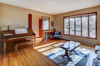 Photo 10: 64 Canyon Drive NW in Calgary: Collingwood Detached for sale : MLS®# A1091957