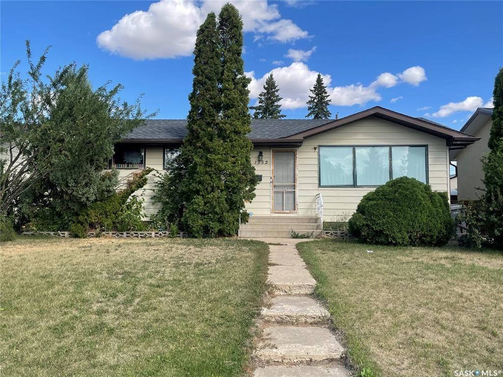 Main Photo: 1752 105th Street in North Battleford: Sapp Valley Residential for sale : MLS®# SK867205