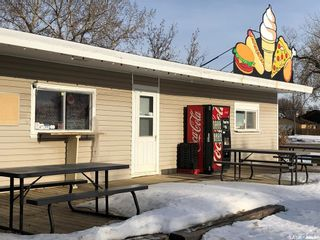 Photo 3: 2260 Proton Avenue in Gull Lake: Commercial for sale : MLS®# SK838856