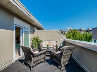 Photo 3: 401 2181 12TH AVENUE in Vancouver West: Home for sale : MLS®# R2000341