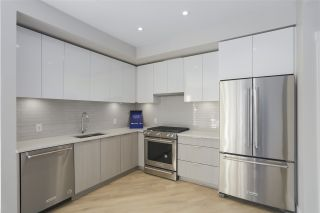 """Photo 1: 403 3588 SAWMILL Crescent in Vancouver: South Marine Condo for sale in """"Avalon 1"""" (Vancouver East)  : MLS®# R2447025"""