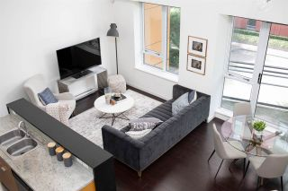 Photo 12: 301 29 SMITHE MEWS in Vancouver: Yaletown Condo for sale (Vancouver West)  : MLS®# R2411644