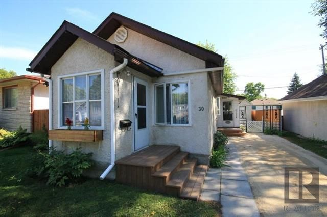 Main Photo: 30 Bank Avenue in Winnipeg: St Vital Residential for sale (2D)  : MLS®# 1824418
