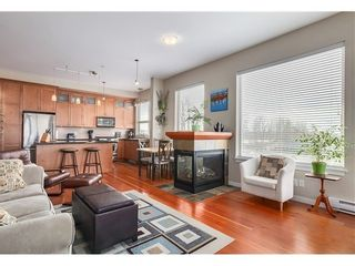 Photo 2: 310 250 SALTER Street in New Westminster: Queensborough Home for sale ()  : MLS®# V1046749