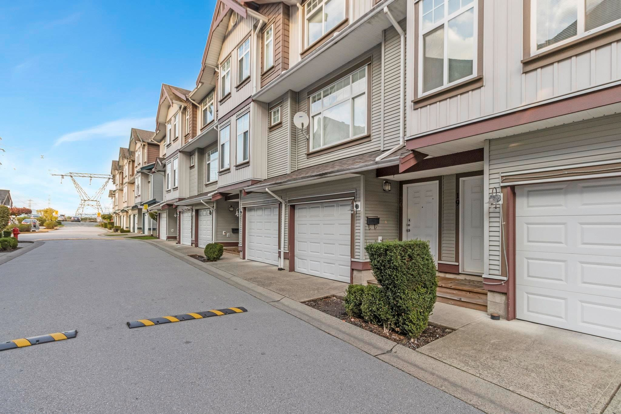 Main Photo: 20 12585 72 Avenue in Surrey: West Newton Townhouse for sale : MLS®# R2624761