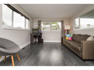 """Photo 4: 101 1840 160 Street in Surrey: King George Corridor Manufactured Home for sale in """"Breakaway Bays"""" (South Surrey White Rock)  : MLS®# R2215928"""