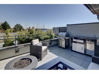 """Photo 1: 300 2432 HAYWOOD Avenue in West Vancouver: Dundarave Condo for sale in """"THE HAYWOOD"""" : MLS®# V1110877"""