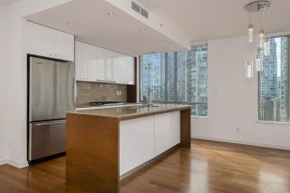 Photo 10: 1002 1005 BEACH Avenue in Vancouver: West End VW Condo for sale (Vancouver West)  : MLS®# R2577173