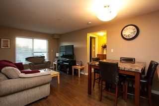 """Photo 4: 107 33960 OLD YALE Road in Abbotsford: Central Abbotsford Condo for sale in """"Old Yale Heights"""" : MLS®# R2130106"""