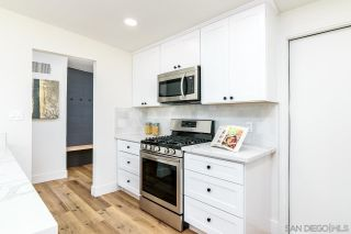 Photo 8: IMPERIAL BEACH House for sale : 3 bedrooms : 1011 Holly Ave