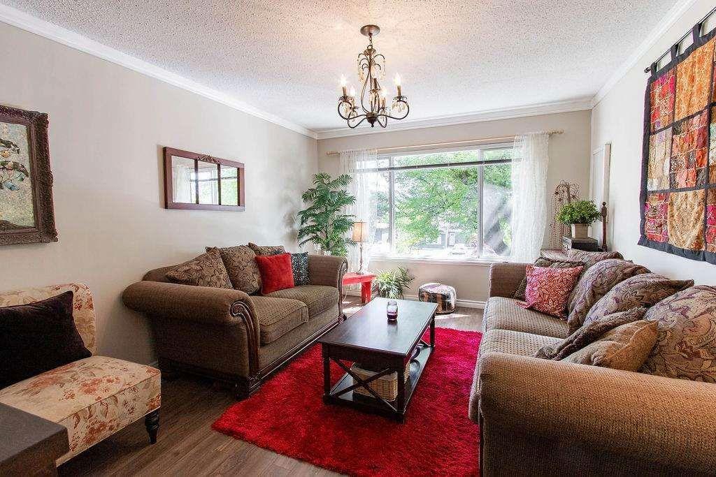 Main Photo: 2727 SANDON Drive in Abbotsford: Abbotsford East 1/2 Duplex for sale : MLS®# R2578880